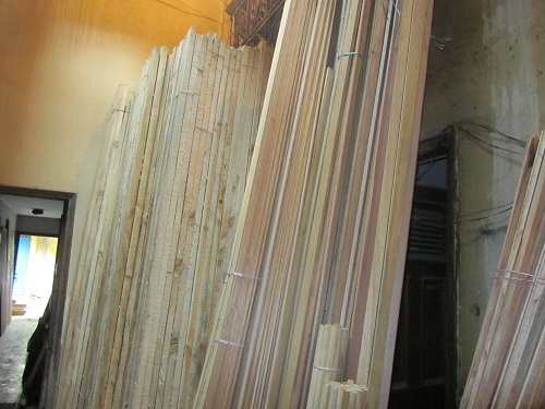 pine-wood-battens-stack-2